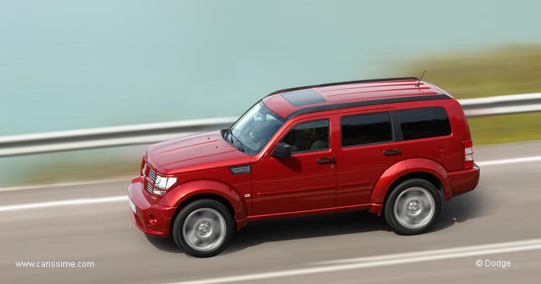 dodge nitro voiture dodge nitro auto occasion. Black Bedroom Furniture Sets. Home Design Ideas