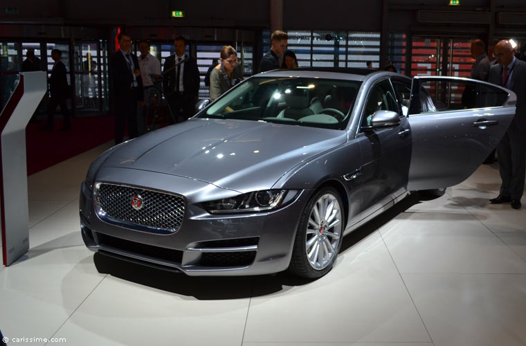 Jaguar au salon automobile de paris 2014 photos for Salon de l auto paris