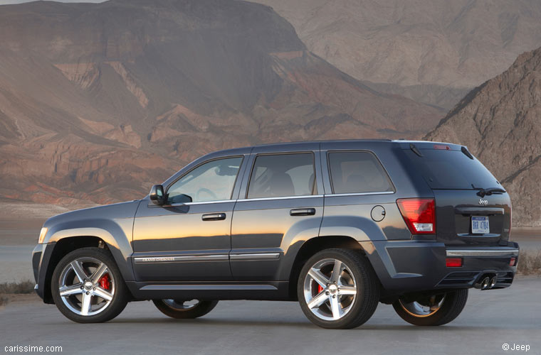 dimension garage jeep grand cherokee srt8 occasion. Black Bedroom Furniture Sets. Home Design Ideas