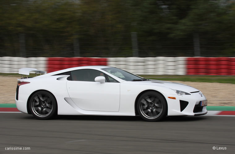 lexus lfa voiture occasion. Black Bedroom Furniture Sets. Home Design Ideas
