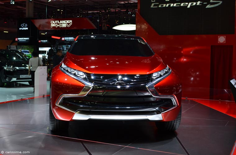 Mitsubishi au salon automobile de paris 2014 photos for Salon de l auto paris