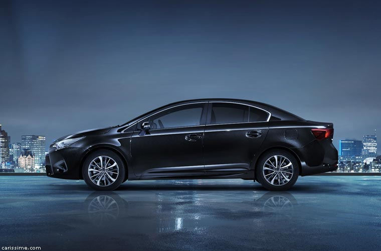 Toyota Avensis 4 Voiture Familiale 2015