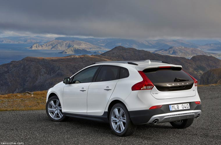 volvo v40 cross country carissime l 39 info automobile. Black Bedroom Furniture Sets. Home Design Ideas